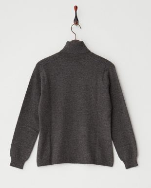 グレー  無地タートルネックセーター見る