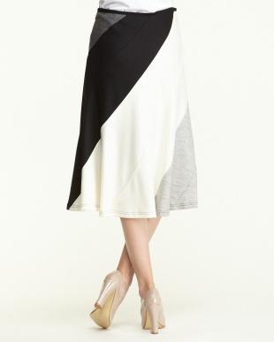 黒系 ウール切り替え配色スカート見る