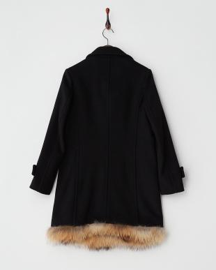 黒 裾ファー付きコート見る