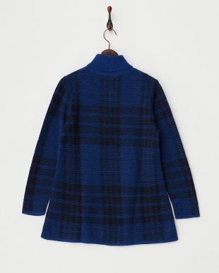 ブルー  チェックジャガー タートルネックセーター見る