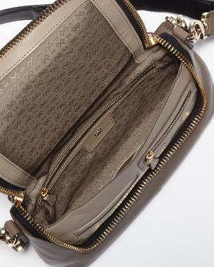 Medium Grey  Maxi Zip Crossbody Bag見る