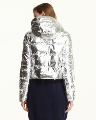 シルバー  メタリック ショート丈中綿入りジャケット見る