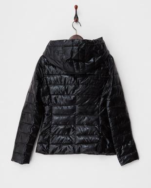 ブラック  メタリック 中綿入りジャケット見る