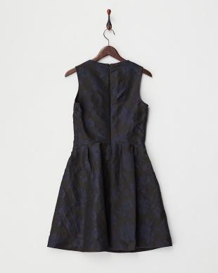 black pattern INDIZIO フラワージャガードフレアワンピース見る