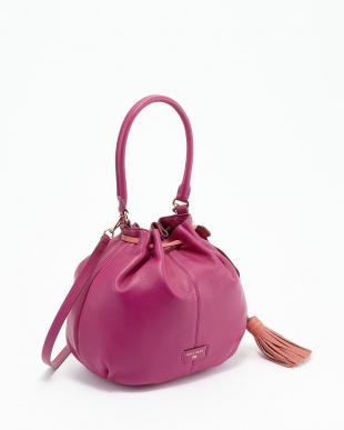 ピンク ANISA タッセル付き巾着ショルダーレザーバッグ見る