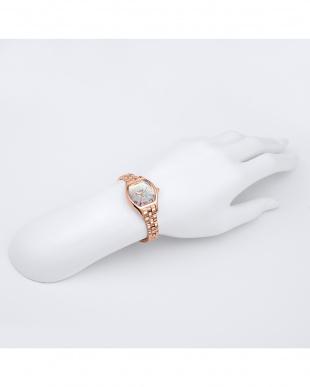 ピンクゴールド  Love Solar 腕時計見る