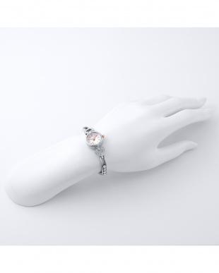 シルバー Pinky Heart 2つ折れバックル 腕時計見る