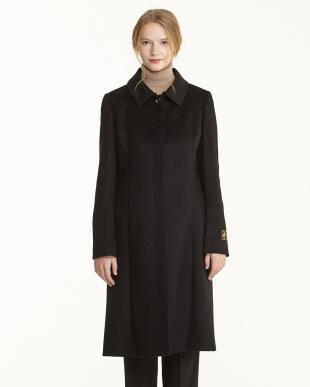 ブラック カシミヤフォックス衿付き共ベルトコート見る