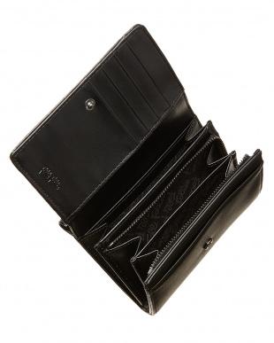 ブラック  フラップ型押し二つ折りウォレット見る