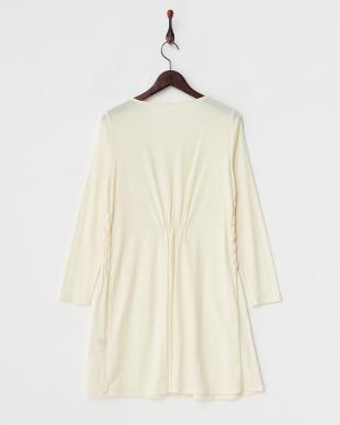 ホワイト  毛糸刺繍 サイドシャーリング カットソーワンピース見る