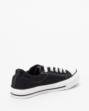 Black  Canvas Sneakers見る