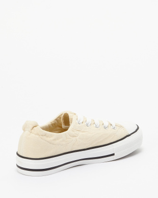 White  Canvas Sneakers見る