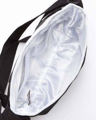 ブラック×ホワイト  ポーチ付き メッセンジャーバッグ見る