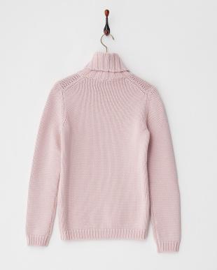 ピンク タートルネックセーター見る