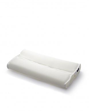 ホワイト へたりにくくて洗える枕:頚椎を支えるメッシュピロー『Air Feel』見る