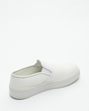 WHITE  SLIP ON BASKET見る