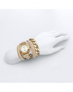 ピンク SAKURA レザーベルト腕時計見る