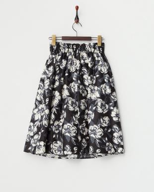 ブラック  フラワープリントフレアスカート見る