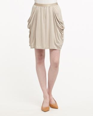 ベージュ ドレープカットスカート見る