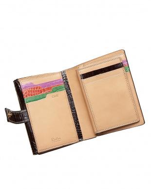 ブラウン  二つ折り財布 クロコ型押し見る