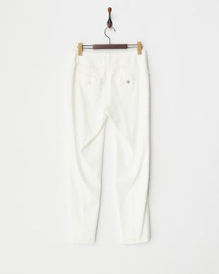 ホワイト  ビジュー釦リネン混パンツ見る