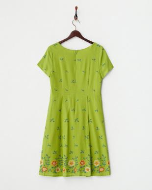 グリーン  クロスステッチフラワー刺繍ワンピース見る