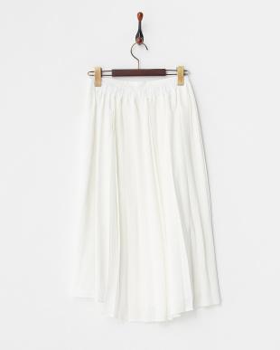 ホワイト  プリーツ使いスカート見る