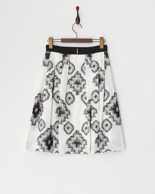 ホワイト ジャカード柄プリーツスカート見る