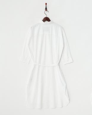 WHITE  抜き襟オーバーロングシャツ見る