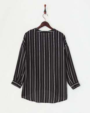 BLACK  スキッパー裾ドレープシ見る