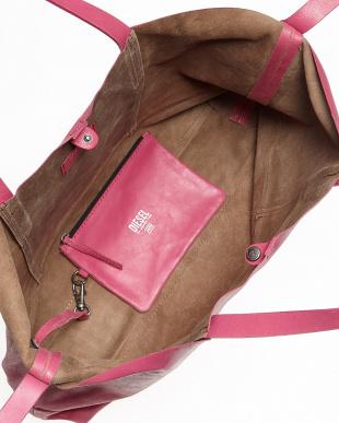 ピンク  ポーチ付き クラック加工ロゴ入りレザーバッグ見る