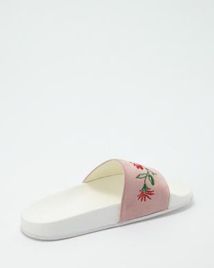 ピンク  刺繍装飾フラットサンダル見る