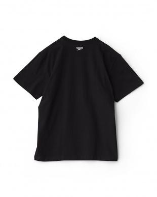 ブラック×ホワイト  Stack logo collection ビックロゴTシャツ|MEN見る