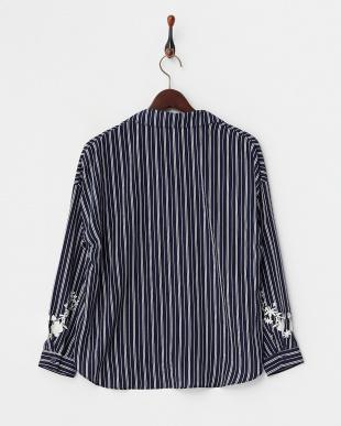 ネイビーストライプ AND 袖刺繍スキッパーシャツ見る