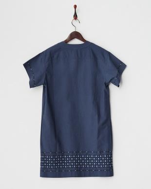 indigo  刺繍入り半袖ワンピース見る