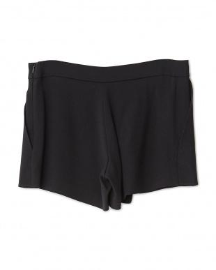 noir スカート風ショートパンツ見る