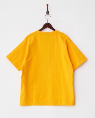 YELLOW ベルプリントTシャツ見る