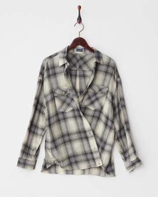 オフホワイト×グレー シャーリングチェック2WAYビッグシャツ見る