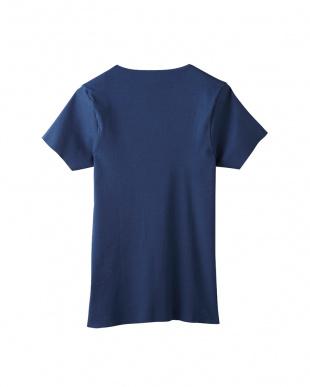 ネイビーブルー VネックTシャツ(カットオフ)見る