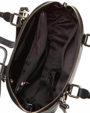 ブラック  サフィアーノ型押しハンドバッグ見る