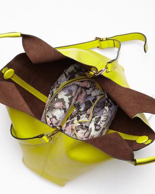 ローズピンク  総柄バッグインバッグレザートートバッグ見る