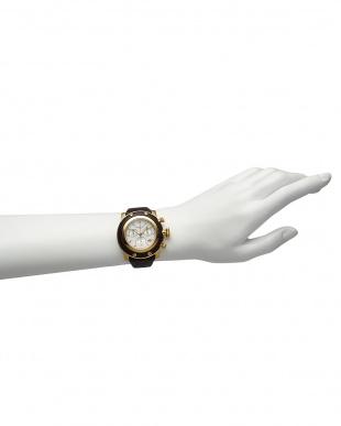 ホワイト×ブラウン MIAMI ダイヤインデックス×ブレイデッドレザーベルト腕時計見る