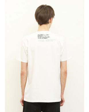 ホワイト Tシャツ カラー ワールド見る