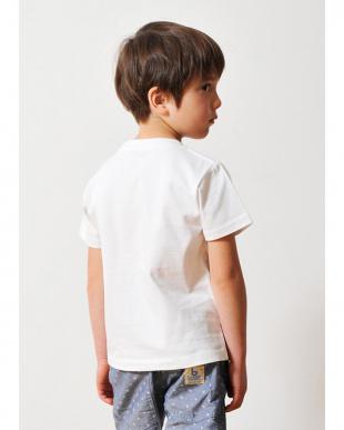 ホワイト キッズTシャツ ラウンド タテロゴ見る