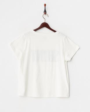 ホワイト  パイル刺繍Tシャツ見る