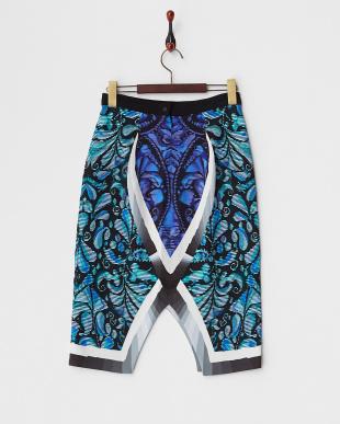 ブルー 幾何学柄スカート見る