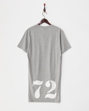 グレー ロングテールクルーネックTシャツ見る