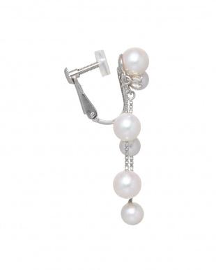 ホワイト×K18WG アコヤ真珠デザインイヤリングwith ダイヤ見る