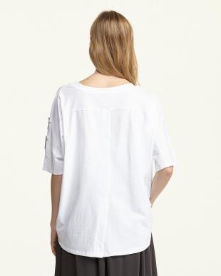 WHITE ワッペン付ドルマンTシャツ見る