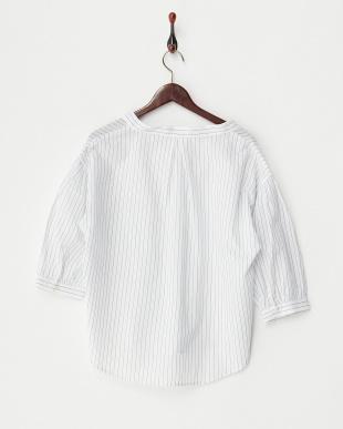 ホワイトストライプ  タック入りスキッパーシャツ見る
